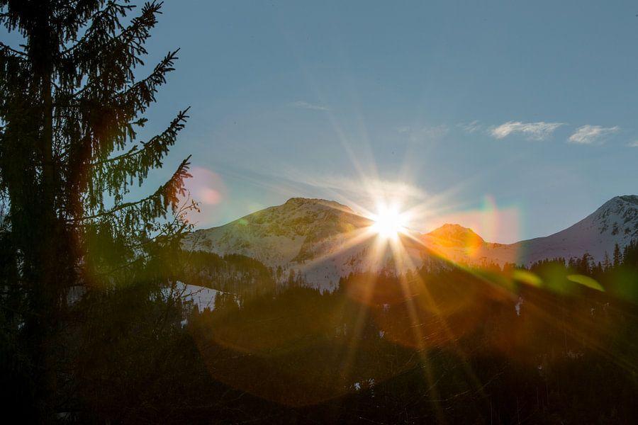 Tiroler Sunset van Guido Akster