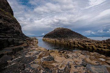 basalt zuilen 1 - Isle of Staffa - Schotland van Jeroen(JAC) de Jong
