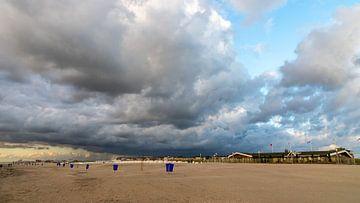 Storm op komst... van Bert - Photostreamkatwijk