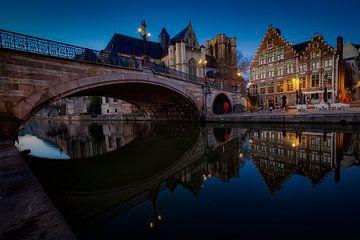 Reflecties van de Sint Michielsbrug van Roy Poots