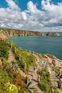 Küste bei Minack Thaetre in Cornwall van