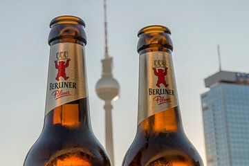 Berliner Pilsner bij de Fernsehturm van Bas Ronteltap