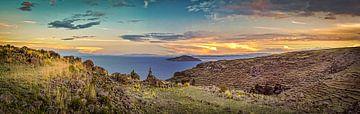 Sonnenuntergang über dem Titicaca-See, Peru von Rietje Bulthuis