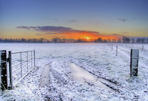 Zonsopkomst op eerste winterdag van Joost Lagerweij