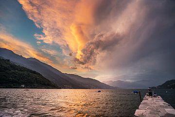 Sonnenuntergang bei Cannobio, Lago Maggiore von Annie Jakobs