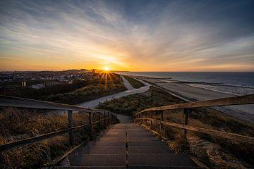 Sonnenaufgang über Zoutelande von Thom Brouwer