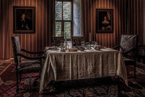 De eetkamer in kasteel Doorwerth van