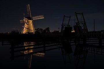 de windmolens in Kinderdijk zijn verlicht von Marcel Derweduwen