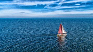 Zeilschip op het IJsselmeer van Paul van Baardwijk