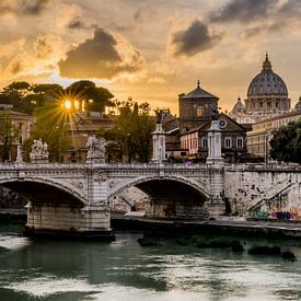 Sunset Rome - Uitzicht op het Vaticaan van Marco Schep