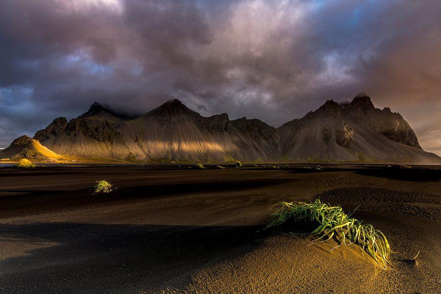 IJsland Landschap Vestrahorn-2 van Sander Grefte