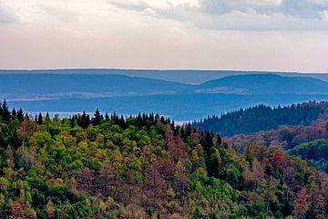 Uitzicht Harz Duitsland van Robert van der Horst