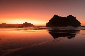 Wharariki Beach bei Sonnenuntergang, Golden Bay, Südinsel, Neuseeland, von Markus Lange