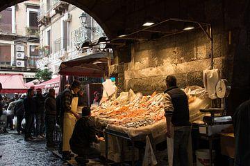 Vismarkt in Catania van Ooks Doggenaar