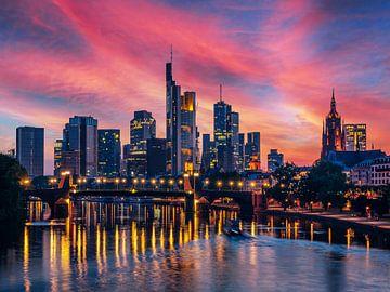 Frankfurt aan de Main met zonsondergang van Mustafa Kurnaz