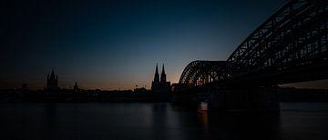 Dom van Keulen in avondlicht van Hans Kool