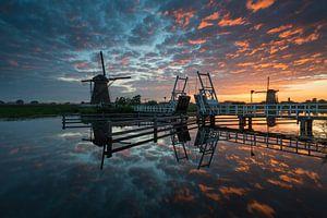 Kinderdijk nach Sonnenuntergang von Raoul Baart