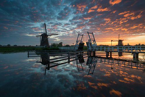 Kinderdijk après le coucher du soleil