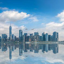 Reflektierende Skyline von New York von Toon van den Einde