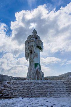 Der Leuchtturm von Sassnitz im Winter von Rico Ködder
