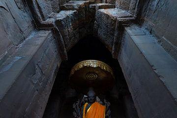 Hindu-Gott Vishnu in Angkor Wat von Richard van der Woude