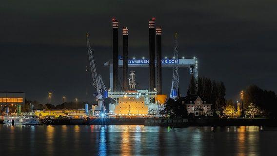 Damen Ship Repair  van Nico Dam