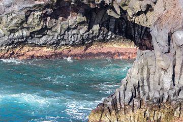 Rotskust Los Hervideros in het zuidwesten van Lanzarote van Reiner Conrad