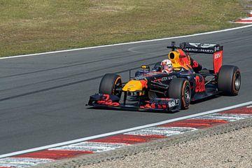Max verstappen la voiture Red Bull formule 1 à partir de 2011 (RB7) sur Maurice de vries