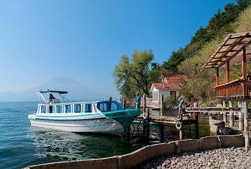 Guatemala: Santa Cruz La Laguna van Maarten Verhees