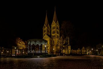 Munsterplein in Roermond van Eus Driessen
