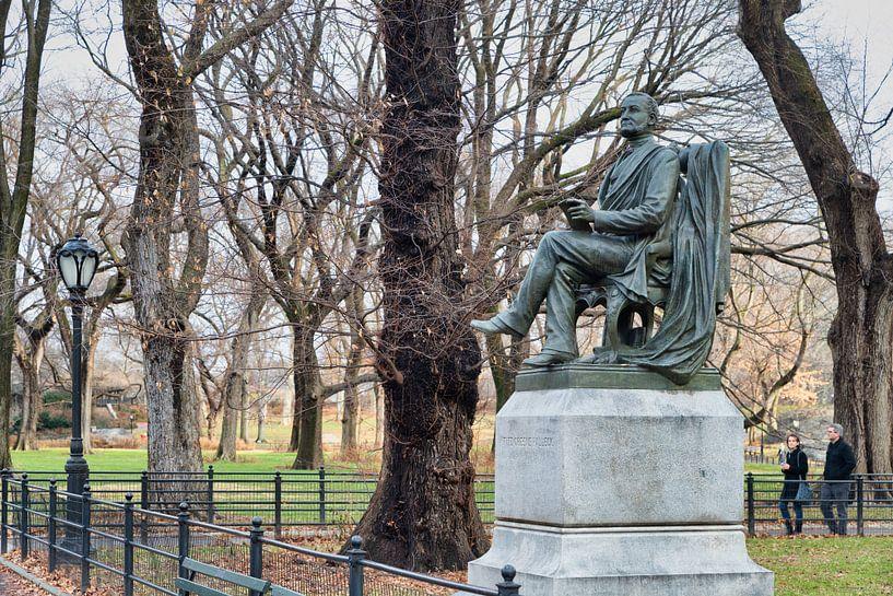 Fitz Greene Halleck Statue (door James Wilson Alexander MacDonald) in Central park New York city dag van Mohamed Abdelrazek