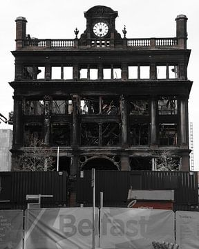 Belfast burned von Mark van Duijvenvoorde