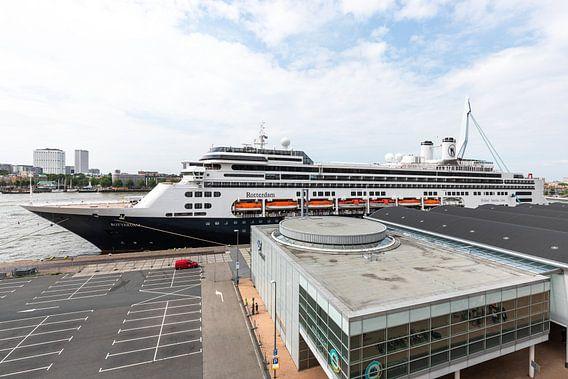 Het Ms Rotterdam aan de Cruise Port in Rotterdam van MS Fotografie