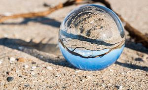 vuurtoren van hellevoetsluis in een glazen bol