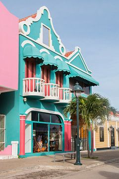 Kleurrijke huisjes van Kralendijk, Bonaire sur Aukelien Minnema