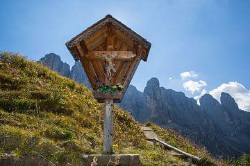 Bergkreuz mit Dolomitenpanorama von Rudolf Brandstätter
