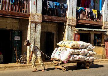 straatbeeld Madagaskar van Marieke Funke