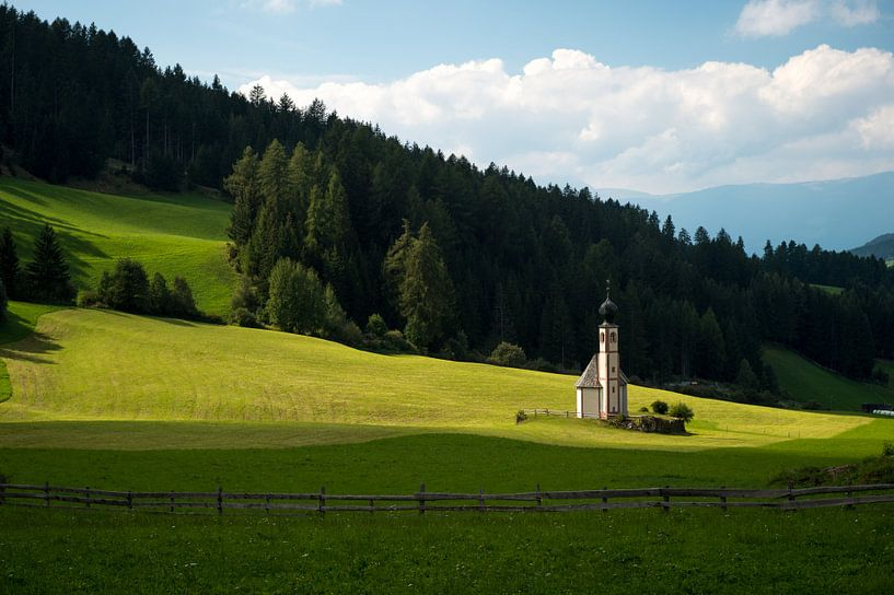 Kapel in de bergen van Wim Slootweg