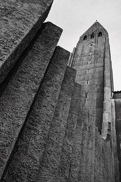 Hallgrimskirkja - kerk in Reykjavik IJsland van RUUDC Fotografie
