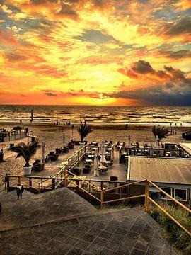 Zonsondergang in Zandvoort von Toekie -Art