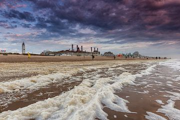 Storm op het strand van Noordwijk von Dick van Duijn