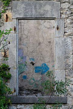 Fenster in einer Ruine von Andrea de Vries