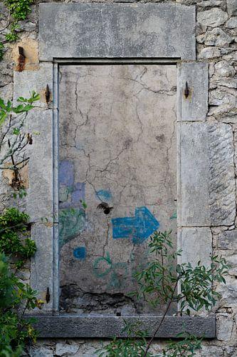 Raam in een ruïne