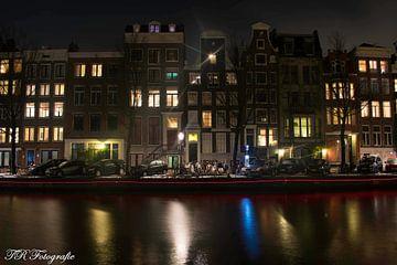 Amsterdam in de avond von Twan Remmerswaal