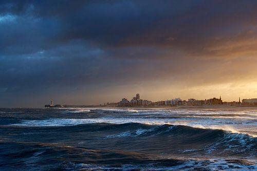 Storm over Scheveningen von Mark Leeman