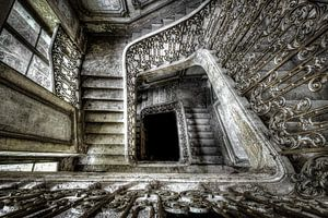 Trap van een verlaten kasteel von Cindy Maertens