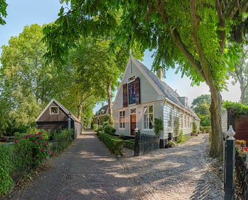 Houten huis, Broek in Waterland, , Noord-Holland, Nederland van Rene van der Meer