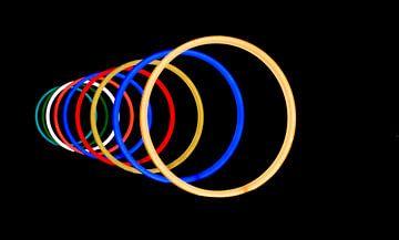 Neon-Lichtringe von Esther Ravesloot
