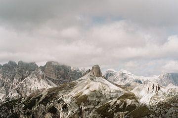 Drei Zimtgipfel - Drei Sätze | Berge in den Dolomiten, Italien von Wianda Bongen