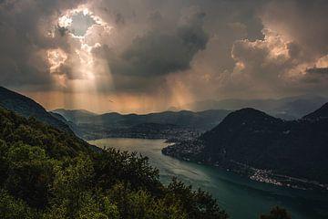 Uitzicht vanaf een berg van Ivana Luijten